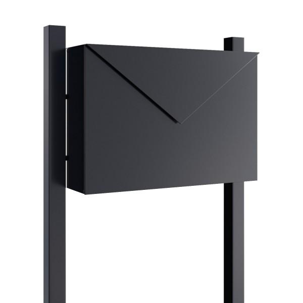 """Boîte aux lettres sur pieds """"The Letter"""" Noire"""